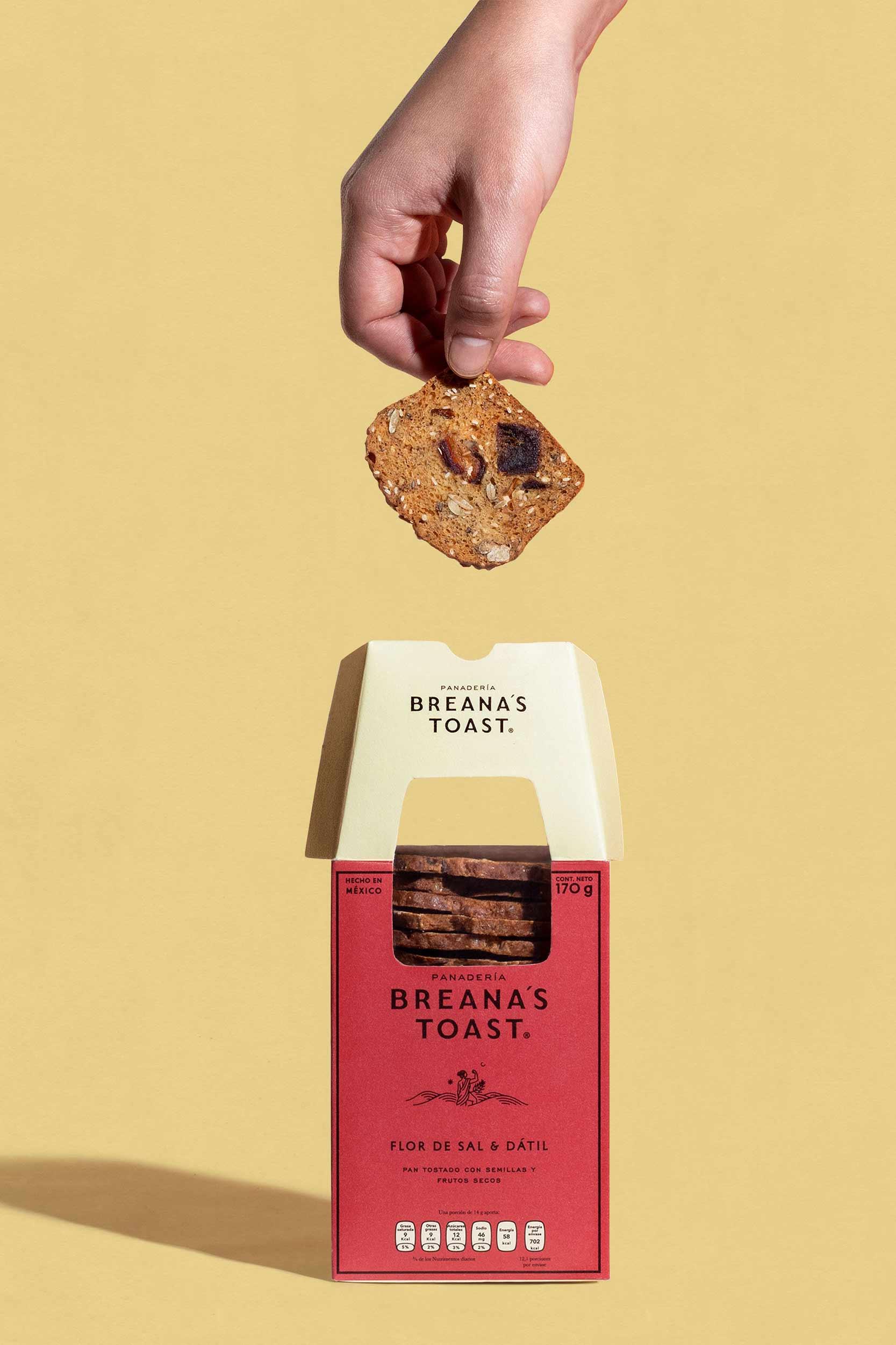 breana-toast-roja-vertical_2500